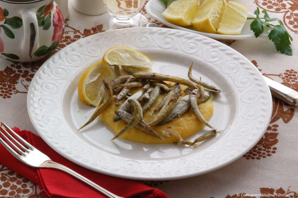 Weißer Ukelei als Speisefisch auf dem Teller